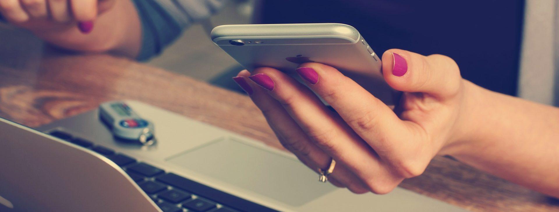 浮気調査は無料相談ができる!電話やメールで相談する時のポイントとは